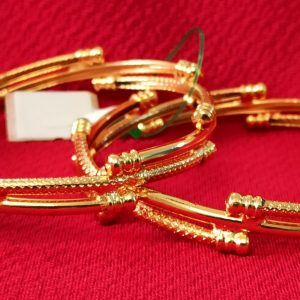 Elegant gold plated bangles (Kada). Set of 2 Pcs.
